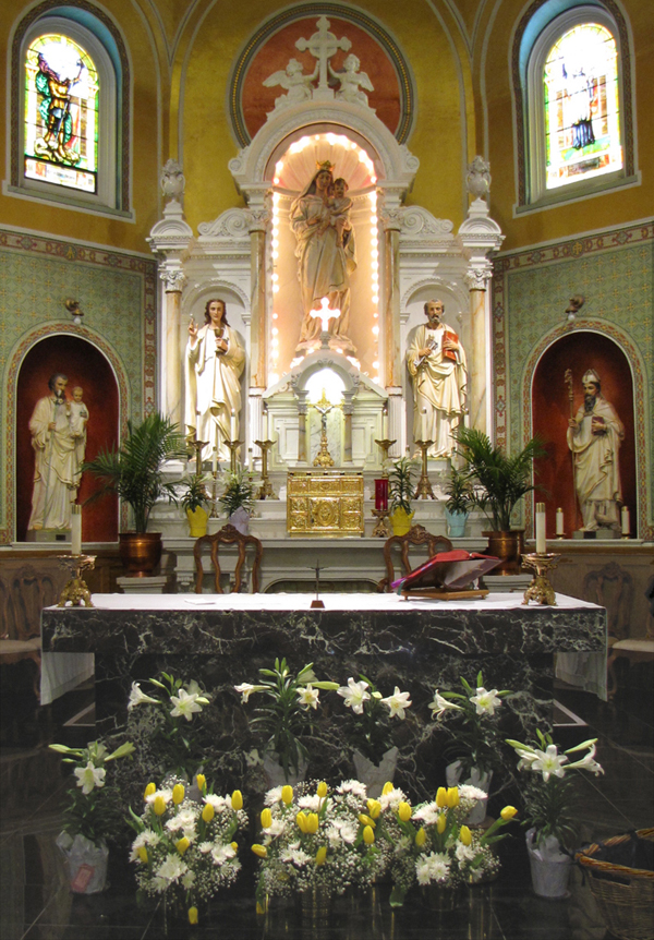 Main altar at Easter