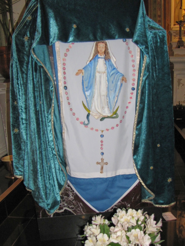 A beautiful banner honoring Our Lady of the Holy Rosary