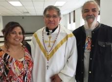 Linda, Monsignor, Mario